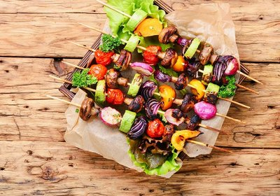 vegetables-grilled-skewers-ZL8KEC2